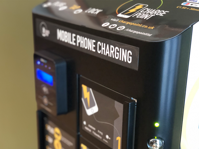 https://www.chargepoint.co.uk/wp-content/uploads/2019/12/Contactless-Charge-Point-Station-5-640x480.png